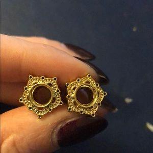 Jewelry - 0 gauge gold plug earrings